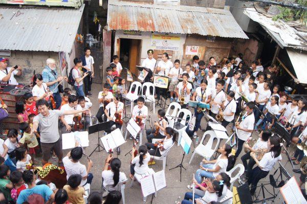セブ島のオーケストラ
